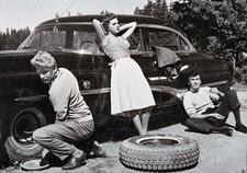 Nina ja Erik 1960, ohjaus Aarne Tarkas - Pääosissa: Martti Katajisto, Pirkko Mannola, Tauno Palo, Ville-Veikko Salminen