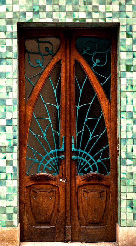 Art Nouveau style door - In Nancy, Meurthe-et-Moselle, France.
