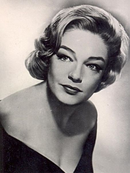 Simone Signoret - 30 of the Most Beautiful and Famous French Actresses