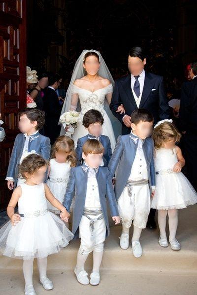 Cortège petits pages et tulle blanc - trop bien !!!! + encolure robe de mariée