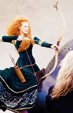 Behind the scenes of Jessica Chastain's Disney advertisement.  #JessicaChastain as Princess Merida from Brave.  Photographed byAnnie Leibovitz.