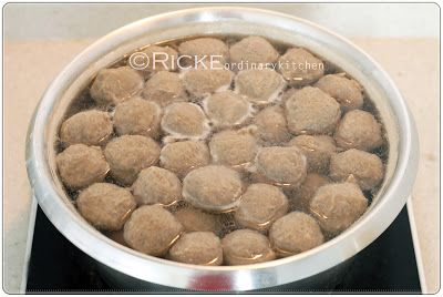 Just My Ordinary Kitchen...: HOMEMADE MEAT BALL (BAKSO SAPI HOMEMADE)