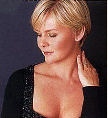 Barbara Bonney (Soprano), my doppelgänger and one of the best Paminas ever.