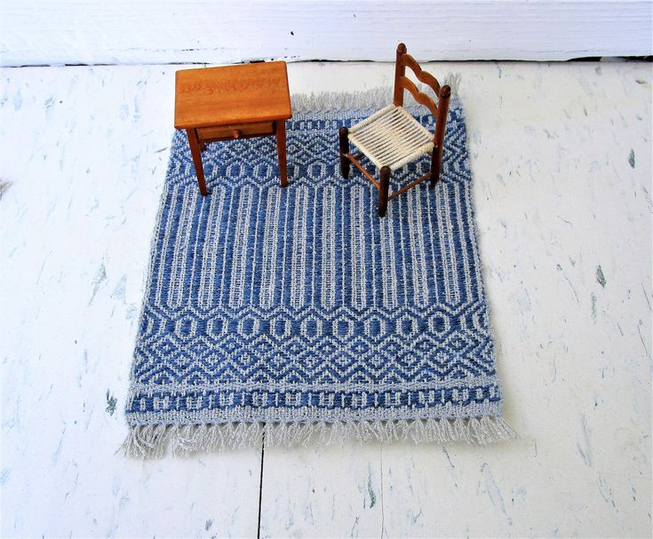 Silver and Blue Hand Woven Miniature Dollhouse Rug. Rose Path threading. Wool weft, silk warp table rug. 7″ by 9″ including fringe