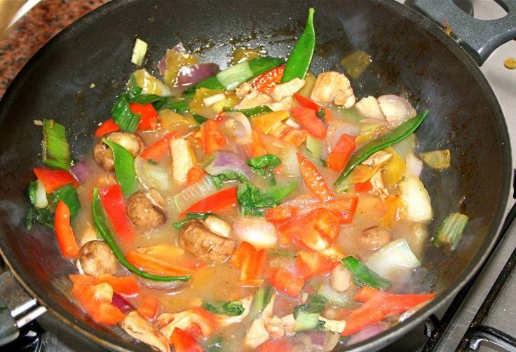 Pruttelen maar, dan krijg die lekkere Tjap Tjoy saus net als bij de Chinees!
