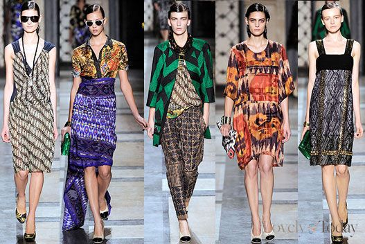 Dries van Noten : Batik on Runway