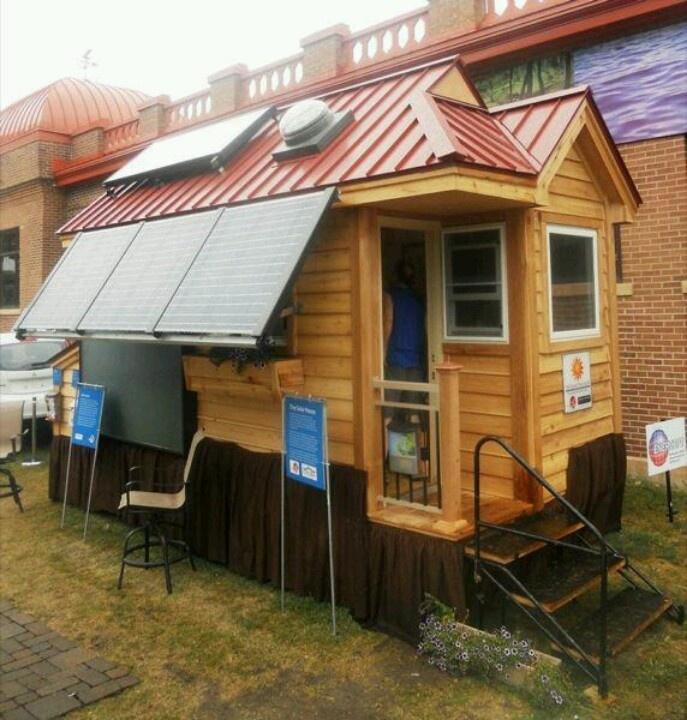 Tiny solar house palette pas bete pinterest for Small solar home plans