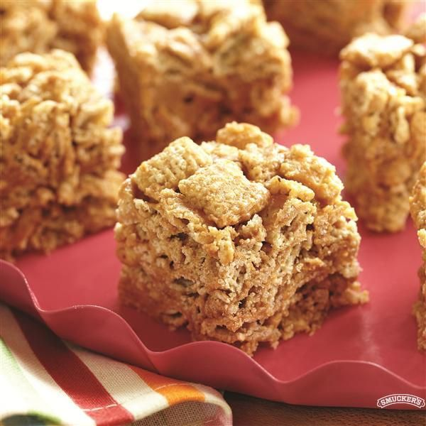 No-Bake Peanut Butter Cereal Bars from Smucker's®
