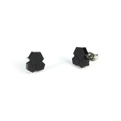 PrettyUgly-Lena-ørestik-earring-akryl-acrylic-black-sort