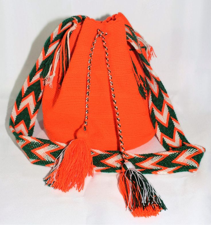 Hand-Woven Artesinal Colombian Wayuu Bag (Uni-Color Orange) - Bacano Bags and Hats