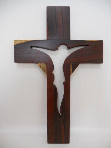 Cruz De Madera De Granadillo. Artesanías Michoacanas. – $ 375.00