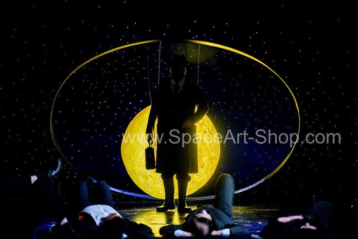 Decor piesa de teatru Moroi stele de fibra optica aprox 120 mp foto credit - Paul Baila www.SpaceArt-Shop.com