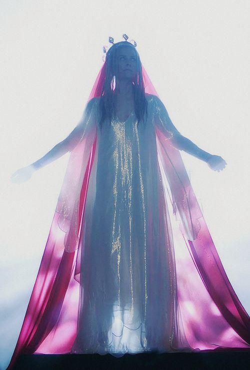 Sheri Moon Zombie as Heidi Hawthorne in The Lords Of Salem (2013) - dir. by Rob Zombie