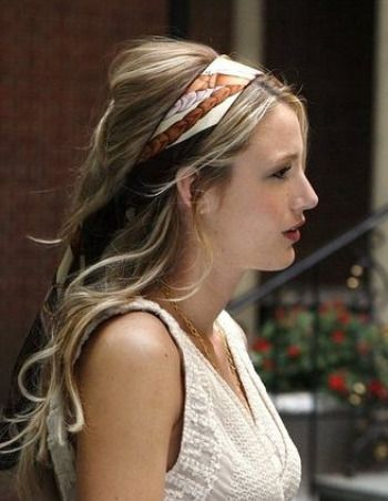 The ribbon hair thing - plus her hair just looks really good.