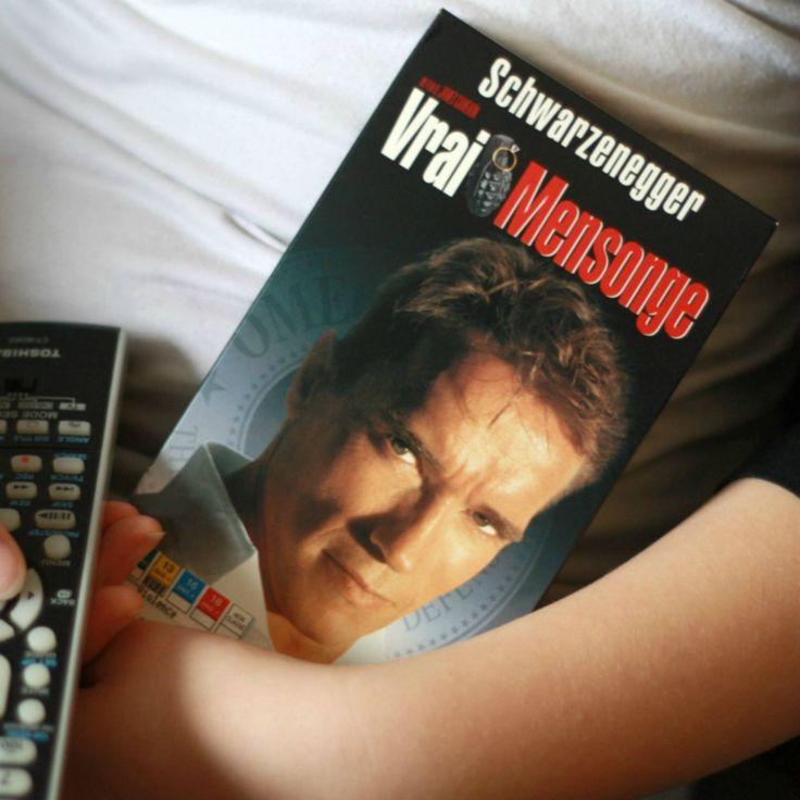 VHS Vrai mensonge Film Francais, Arnold Schwarzenegger, VHS Francais, Film 1990, Film Action, Collectionneur de film, Cadeau noel, 90s decor de la boutique PastelEtPixel sur Etsy