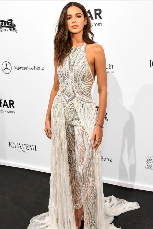 5c5c31e1b7 Os 12 vestidos de festa mais incríveis de Bruna Marquezine em 2019 ...