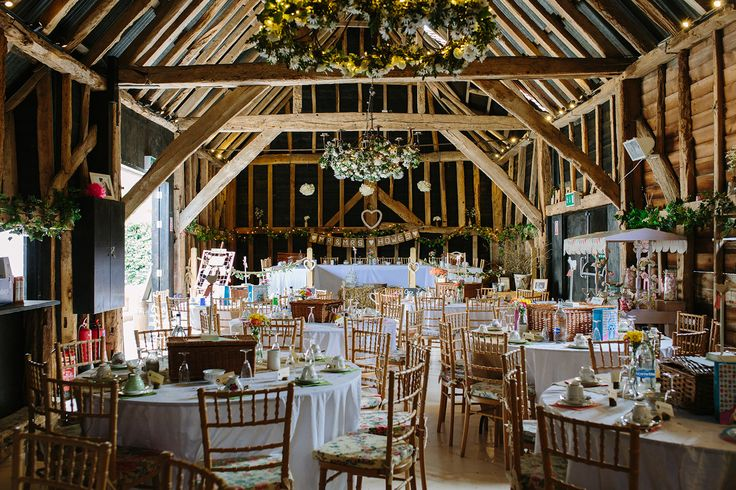 Hookhouse Farm, Surrey, is perfect for a rustic wedding. image by www.jessicajillphotography.com