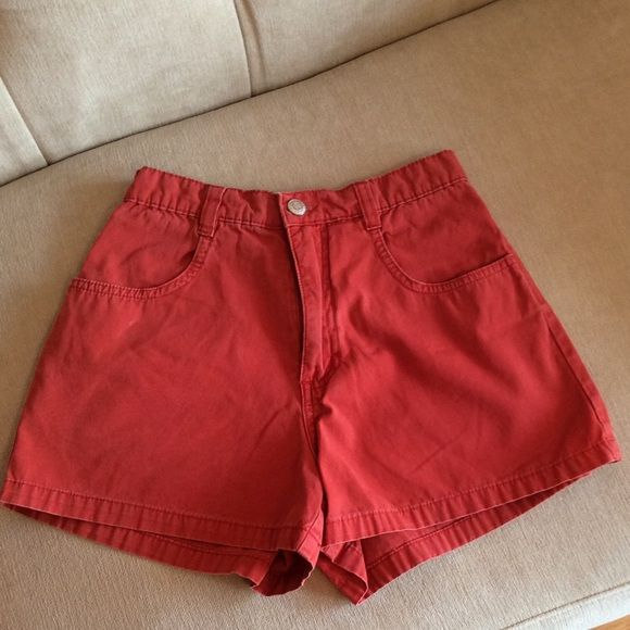 OLD NAVY SHORTS SIZE 1  Red, pre-owned Old Navy Shorts