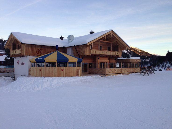Dit is de nieuwe apres ski tent onder aan de piste k alm for Huis aan de piste oostenrijk