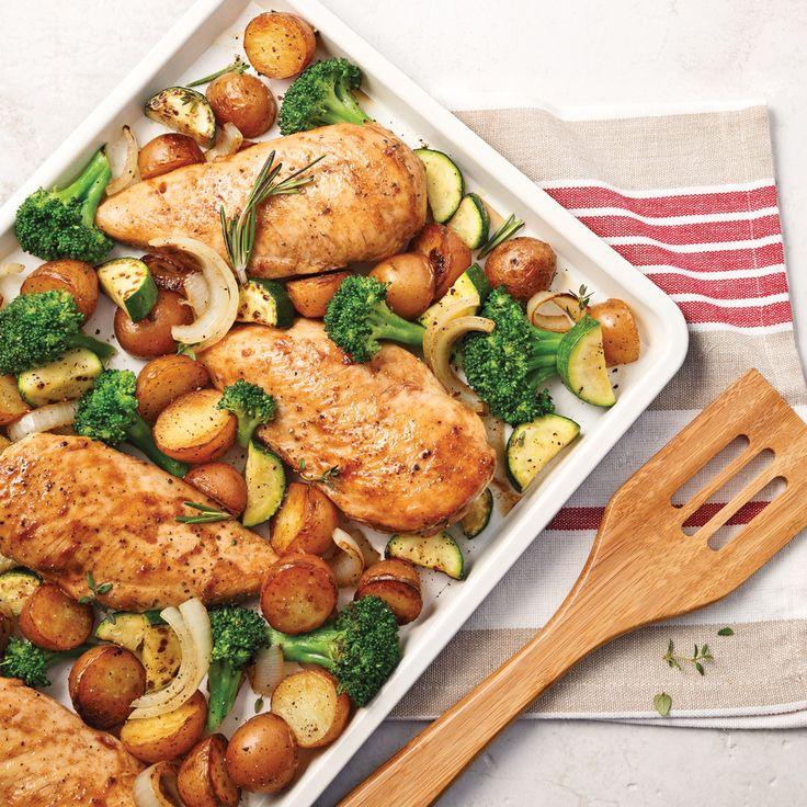 Les parfums du miel et du vinaigre balsamique caramélisés grâce à une cuisson tout-en-un sur la plaque rendront votre poulet irrésistible.