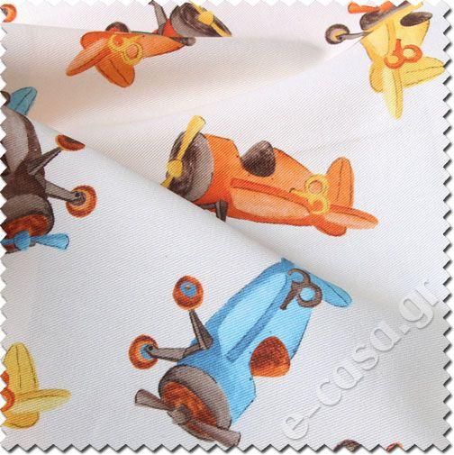 Παιδικά υφάσματα. Δύο χαριτωμένα σχέδια σε 2 φωτεινούς χρωματισμούς με ασσορτί ριγέ. Αεροπλανάκια, κάστρα και παιχνιδάκια. Ψηφιακή εκτύπωση. Κατάλληλο για κουρτίνες, μαξιλάρες, κρεβατόγυρο, κεφαλάρι κλπ.