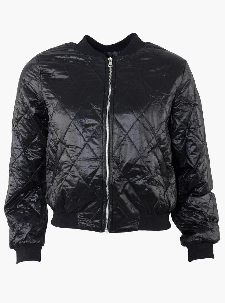 Le bomber noir ! Un incontournable à avoir dans votre garde robe ! Son style androgyne vous hissera au sommet de la mode !  http://tinyurl.com/qfpogza  #bomber #mode #blouson #hiver