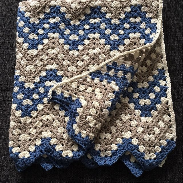 Ripple Waves Baby Blanket Crochet Pattern #crochetideas #crochetlove Download free PDF crochet pattern!