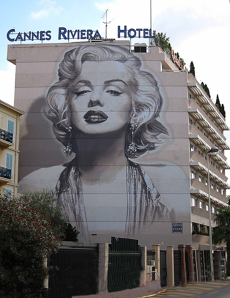 Street art on Hotel side facade, Cannes