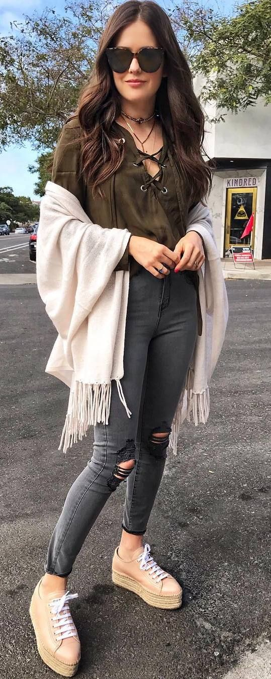 outfit of the day | lace up top + nude scarf + rips + sneakers