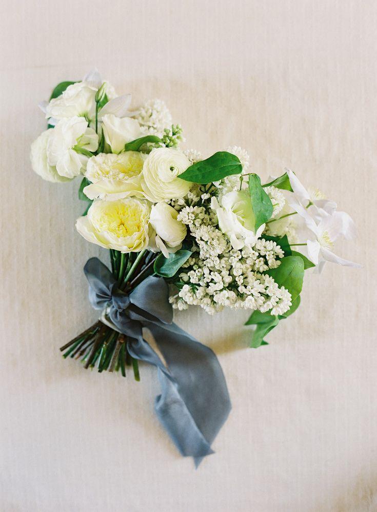 Photographer: http://www.kurtboomer.com/ | Florals: http://kellykaufmandesign.com | Read More: https://www.stylemepretty.com/vault/image/6558318