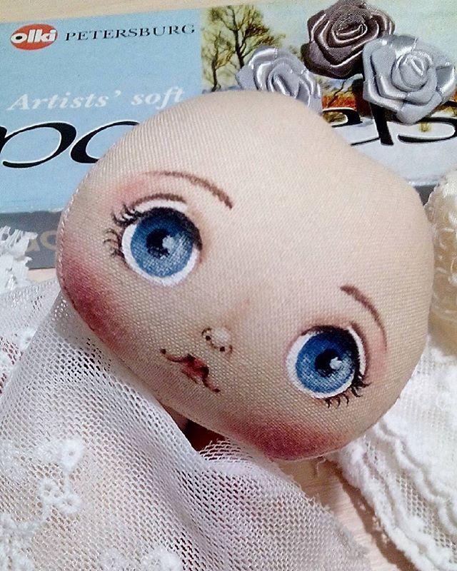 И снова лысик- грусняшка ещё и щёки наели... Завтра едем в парикмахерскую делать причёску  ❤ ❤  #ручнаяработа #рукоделие #арт  #куклыручнойработы#текстильнаякукла #шьюсама#кукларучнойработы #глаза#авторскаякукла#шьюсама #малышка#пупсик#handmade#doll#dollmaker#clothdoll #хэндмэйд#интерьернаяигрушка #интерьернаякукла#арт #хэндмейд #куклавподарок #куклаизткани #подарокдевушке#коллекционнаякукла #интерьер#мимими#одеждадлякукол #super_world_hm#бесплатнорр#handmade_all_tut