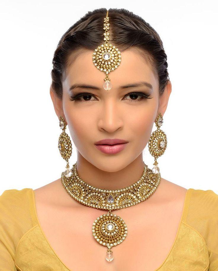 Lakshmi Necklace, Earrings & Maang Tika