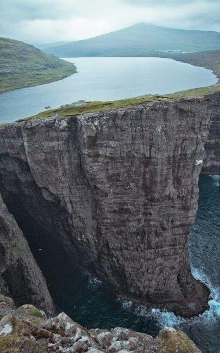 A lake by the sea, Faroe Islands, Lake Sorvagsvatn
