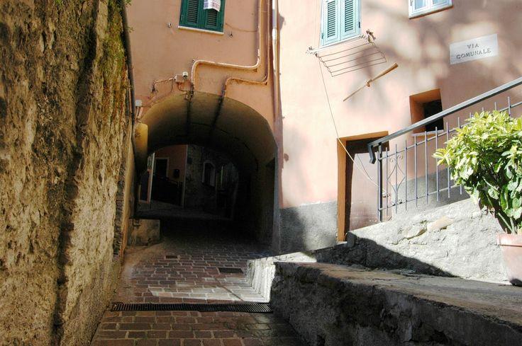 San Biagio della Cima (IM), un carruggio