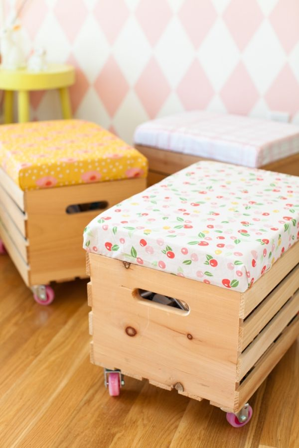 How to Organize Your Entryway: Rolling Toy Benches | thegoodstuff