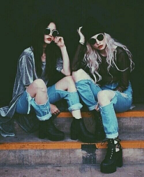 Cant you just smile? Marls and Emms going through their grunge Phase. Taken by Lily Women's Jeans - http://amzn.to/2i8XN7s