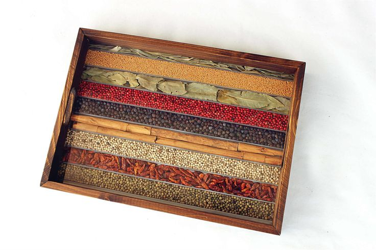 WOODEN TRAY DECORATED WITH NATURAL SPICES 90€ - Wooden with synthetic resin base (which has the appearance of glass) compartmented to house the various decorative #spices - #XmasGift by http://www.amazon.de/gp/aag/main?seller=A1QPL980FAHTMT
