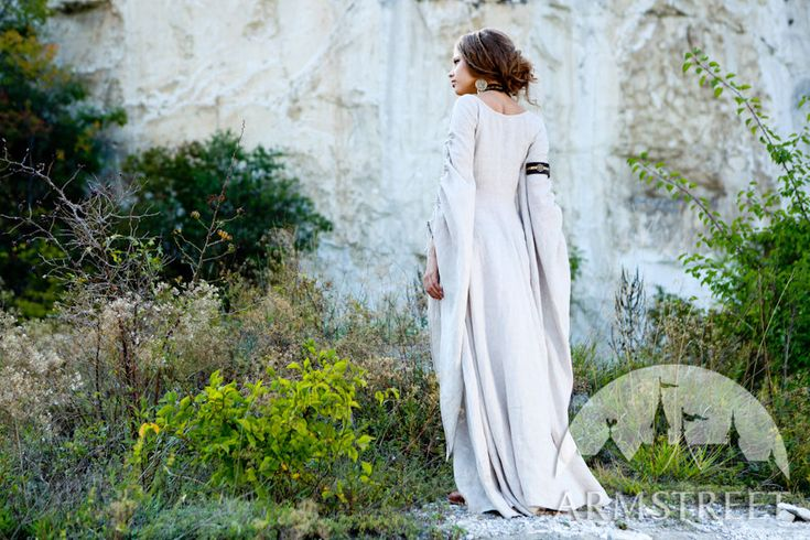 """Medieval flax linen natural """"Archeress"""" chemise tunic for sale. Available in: black fine linen, white fine flax linen, natural fine flax linen :: by medieval store ArmStreet"""