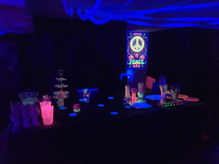 Tianas 8th birthday party Glow party Glow in the dark black light #blacklight