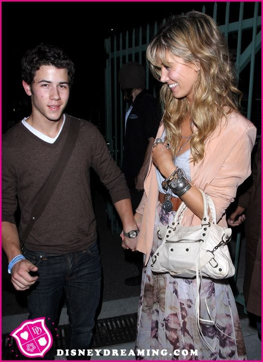 are nick jonas and delta goodrem still dating