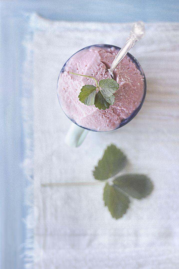 Cazadora de inspiración: Un helado de yogur y fresas.  Мороженное из йогурт...