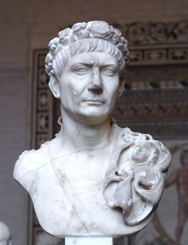 Emperador Trajano nacido en Itálica, Santiponce, junto a la actual Sevilla, 18 de septiembre de 53.