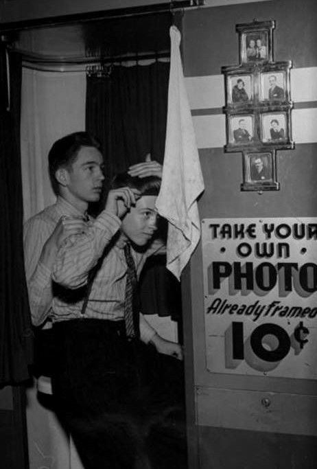 Vintage Photo Booth Black & White PHOTO 4X6 Cute Guys Male 1950's Dudes C100