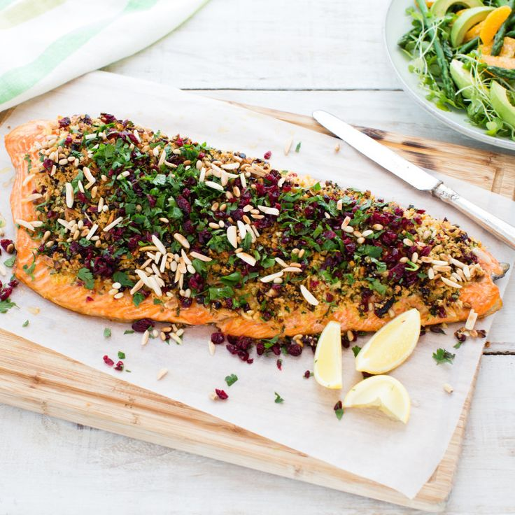 Salmon with cranberry, parsley and nut crust
