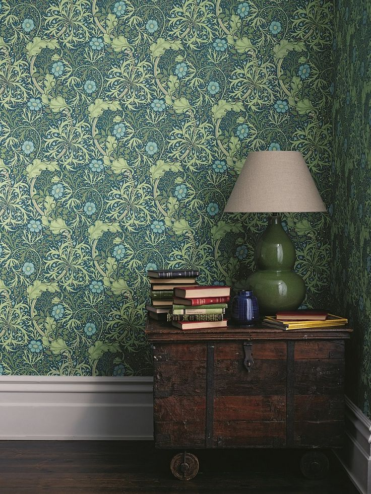 New colourway of this popular early 20th century William Morris design, with a free flowing highly decorative pattern, incorporating seaweed and flowers.