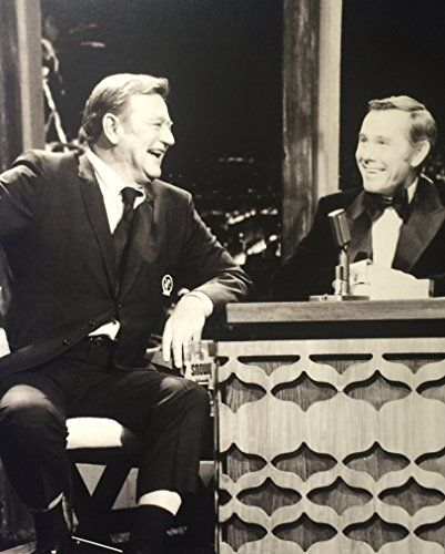 2e2016572 John Wayne and Johnny Carson in The Tonight Show Starring Johnny Carson  (1962)