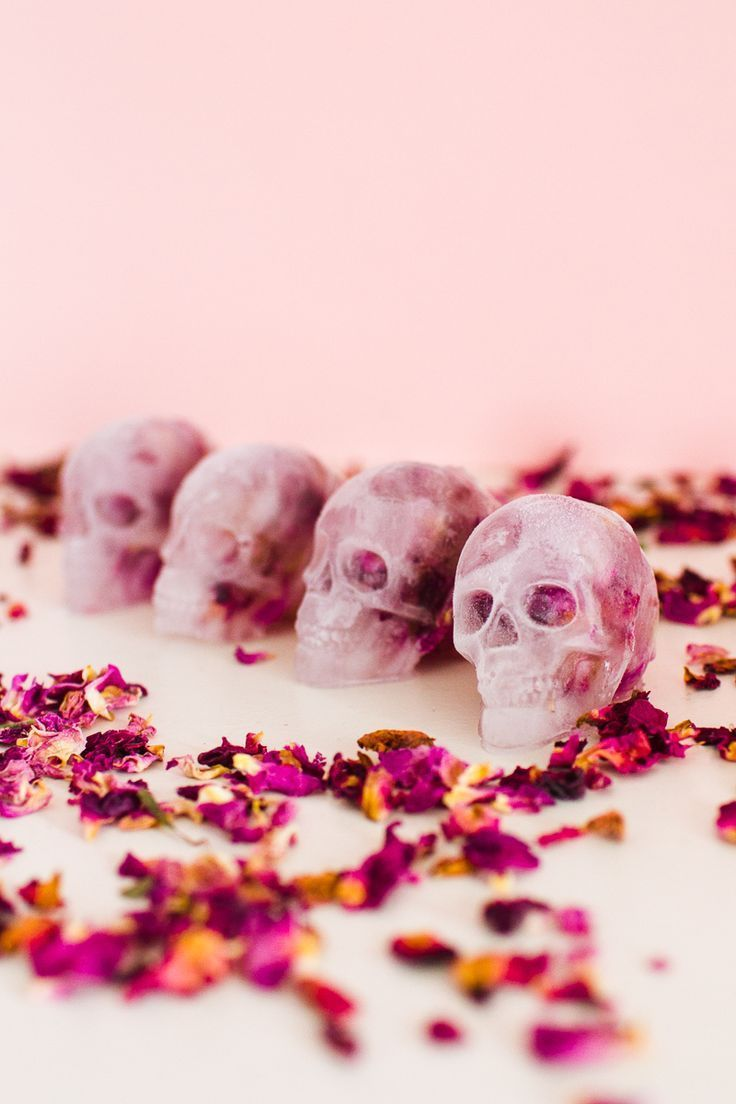 DIY Floral Skull Ice Cubes for Halloween Entertaining
