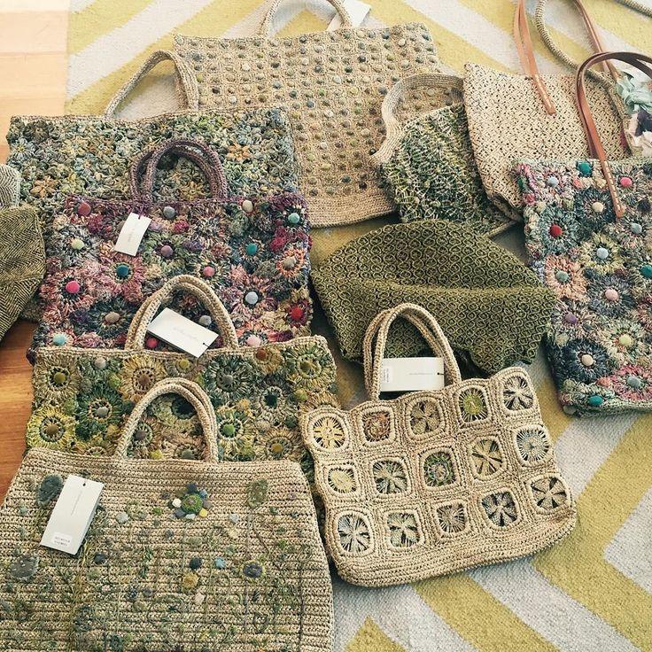 91 vind-ik-leuks, 10 reacties - JoAnne Stephenson (@ecasadaylesford) op Instagram: 'The gaggle of Sophie bags we ordered yesterday for #nextsummerautumn #sophiedigard #fashion…'