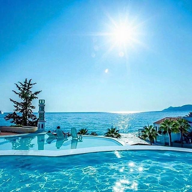 Would love this view today #beautiful #holiday #sumner#follow4follow #goodvibes #inspire #passion#fitness #travel#animals#fashion#photography #photo #boom#dubai #fitnessworld #fitfam #fitspo #fitnessaddict http://tipsrazzi.com/ipost/1510841076604573006/?code=BT3lfRTFZVO