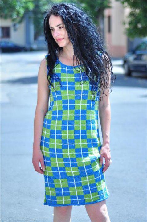 230 LEI | Rochii handmade | Cumpara online cu livrare nationala, din Bucuresti. Mai multe Imbracaminte in magazinul TheWoolTeller pe Breslo.